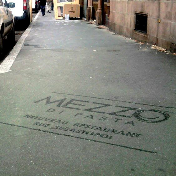 Reverse graffiti Mezzo di Pasta