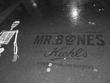 Meet Mr.Bones marquage propre