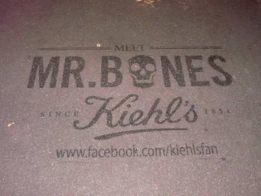 Mr.Bones se fait clean-tager